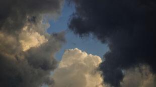 Prognoza pogody na jutro: nieliczni uchowają się przed deszczem i burzami