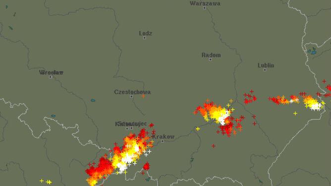 Burze przechodzą nad Polską. <br />Lokalnie są gwałtowne
